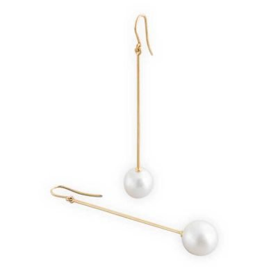 Earrings drop design and Broome-pearl-18ct-gold