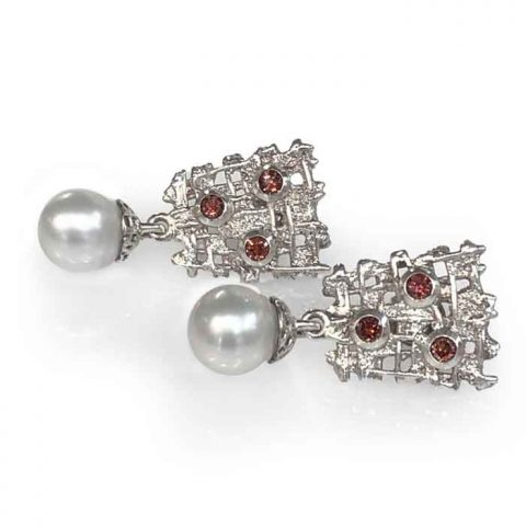 earrings silver with garnet stones and white south sea pearls