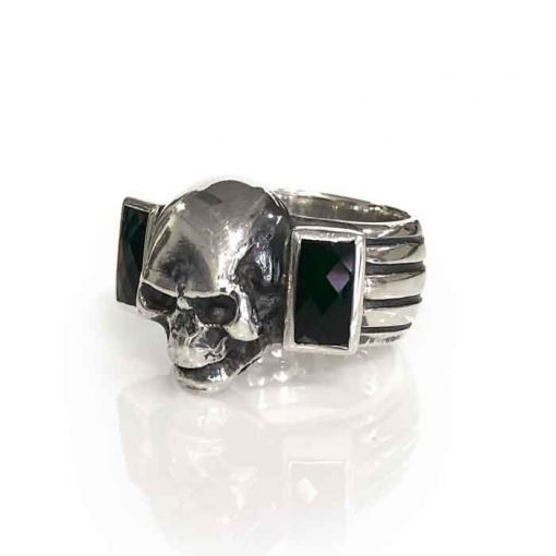 Ring skull silver and two onyx stones